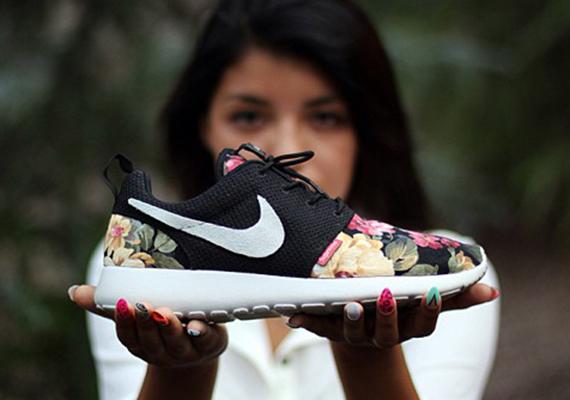 separation shoes 94811 71328 nike-roshe-run-supreme-floral-custom ...